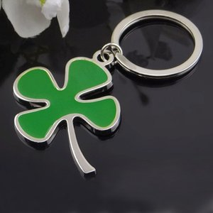 Wholesale Promotion gift Metal clover keychain green Four Leaf Clover key chain key rings pendant bag part zinc alloy fashion jewelry