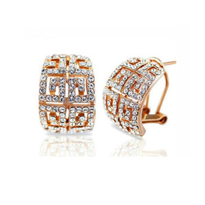 Wholesale 18k Gold Plated Austria Crystal Stud Earrings Fashion Females Full Rhinestone Earrings Alloy Material Earrings Jewelry For Women