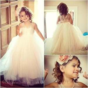 Wholesale 2016 Summer Flower Girl Dresses For Weddings Ball Gown Princess Floor Length Lace Tulle Floor Length Toddler Party Dresses Pageant Gowns