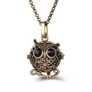 Wholesale Cute Hollow Owl Pendant Lockets Women Prenatal Aromatherapy Perfume Oil Diffuser Necklace Pendant New Fashion Metal Jewelry Accessories