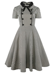 Wholesale European and American black and white lattices with short sleeved dolls with bow tie and big pendulum princess dress XL XL