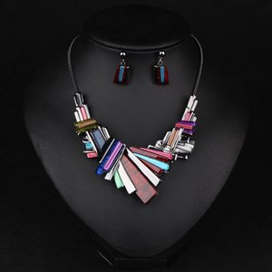 Wholesale Retro exaggerated geometry gold plated necklace with earrings african jewerly set for dinner dress gifts