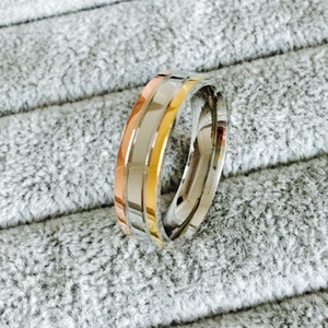 Wholesale Famous Brand silver Rose Gold gold Plated Triple Tone Top Classic Design Wedding Band Ring for Women and Men