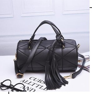 Wholesale 2018 New handbag handbag trend Sue cylinder single shoulder slope pillow bag bag Boston