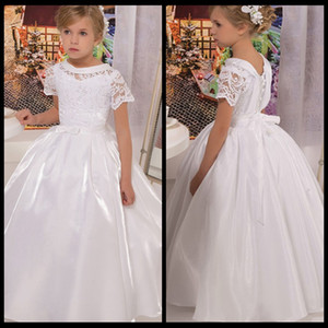 Wholesale dress first comunion resale online - Vintage Scoop Short Sleeve First Communion Dresses For Girls vestidos de comunion White Long Flower Girl Dresses For Weddings