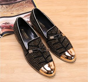 Wholesale 2019 Fashion Casual Formal Shoes For Men Black Genuine Leather Tassel Men Wedding Shoes Gold Metallic Mens Studded Loafers NX490