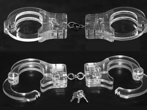 Wholesale 2018 Luxury Male Female Transparent Crystal Restraint Slave Wrist Restraint Handcuff Manacle BDSM bondage come with chain sex toys product