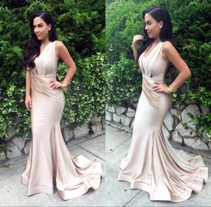 2017 Glamourous Sexy Long Mermaid Evening Gowns V-neck Sweep Train Eleagnt For Celebrity Chartity Prom Party on Sale