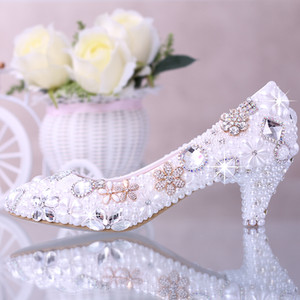 Wholesale Luxurious Elegant Imitation Pearl Wedding Dress Shoes Bridal Shoes Crystal diamond Inches Low Heel Woman Fashion Pumps Lady Dress Shoes