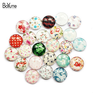 Wholesale BoYuTe pieces mm Round Pattern Cabochon Mix Flower Bud Dot Floral Image Glass Cabochon Blank Pendant Cover xl10029