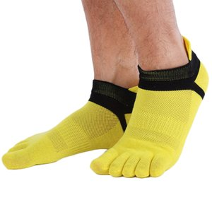 Wholesale Classic Men s Five Finger Toe Separate Socks Cotton Grid Breathable Sports Socks Fast New Hot Selling