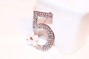 Wholesale European and American popular Refined Camellia Digital Gold Crystal Brooch k Brooch Style In Stock