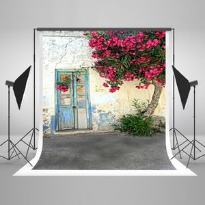 Wholesale 5x7ft x220cm Blue Broken Wood Door Backdrop Country Style Pink Tree Flowers Photo Studio Background Wrinkles Free