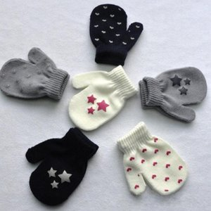 Wholesale White Blue Gray Kids Dot Star Heart Pattern Mittens Boys Girls Soft Knitting Warm Gloves Fashion