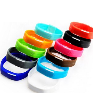 Wholesale Factory outlet trend of female students watch children watch men s sports couples jelly Watch Bracelet table