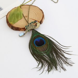 Wholesale Bohemian Sweater Chain pendant necklace for women colorful feather necklace pendant Fashion peacock necklace Jewelry