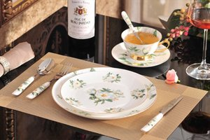 Wholesale 8 Bone China Dinnerware Set With Dinner Plates Salad Plates Knife Fork Tea Cup Saucer Coffee Spoon Dinner Spoon