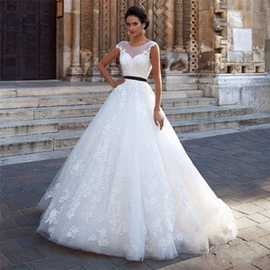Wholesale Scoop Ball Gowns White Lace Applique Wedding Dresses with Black Sashes Backless Bridal Gowns vestidos de noiva
