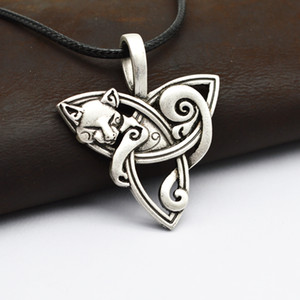 Wholesale Men s Large Viking Jewelry Fox Triquetra Fenrir Animal Teen Wolf Necklace Irish Celtics Knot Pendant Amulet Necklace CT526