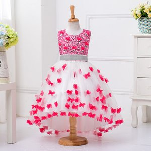 Cute Flower Girl Dresses 2017 Beautiful Lace with Belt Princess Kids Communion Dresses Children Show Applique Tail Wedding Party Dress