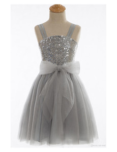 ingrosso vestiti immagini compleanno-Immagine reale Saprkly Flower Girl Dresses for Wedding Silver Paillettes Bow Tulle So spaghetti cinghie Long Kids Birthday Party Dresses