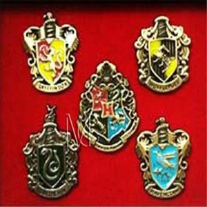 Wholesale Harry Potter Charms Metal Brooch Cosplay Badge Pins Ravenclaw Hogwarts Slytherin Hufflepuff Badge Metal Pins Accessories DHL Free
