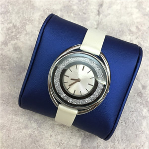 Wholesale 2019 New Fashion Style Women Watch rolling diamonds leather Lady wristWatch Quartz clock High Quality leisure fashion designer watch