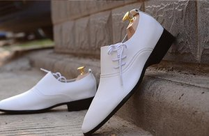 Wholesale NEW HOT Sale Men s wedding white shoes Mens black and white leather shoes Unique men casual shoes groom shoes