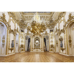 Luxury Palace Chandelier Photography Backdrops Gold Carvings on White Wall Interior Wedding Photo Shoot Backgrounds for Studio