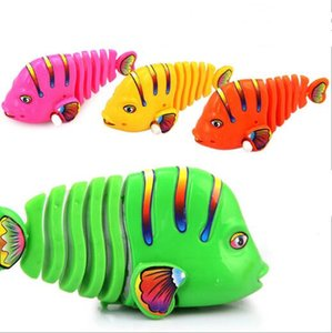 Wholesale Plastic Mini Coloful Swing Fish Wind Up Clockwork Toy for Kids Play Mechanical Cognitive Ealry Educational Toy Children Gift YH1007