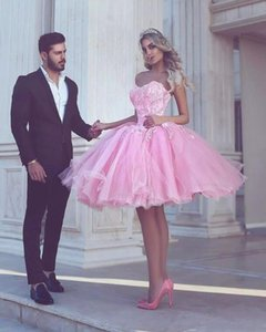 Wholesale Pink Ball Gown Appliues Sweetheart Neck Short Homecoming Dresses New Design with Lace Appliques Girl Prom Gowns Cocktail Wear