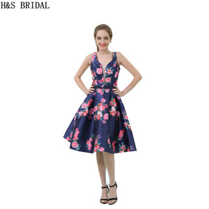 Flowers Printed Short Party Homecoming Dresses Knee Length V Neck Sexy Fashion Dresses 2017 New Arrival B038