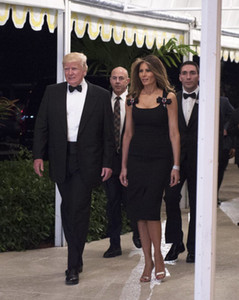 Wholesale Melania Trump Little Black Celebrity Dresses 2017 Sheath Scoop Neckline Beaded Bow with Front Short Split Tea Length Sexy LBD Party Dresses
