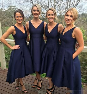 2017 Navy Blue Short High Low Bridesmaid Dresses With Pockets Cheap V-Neck Pleats Maid Of Honor Gowns Formal Junior Bridesmaids Dress on Sale