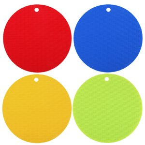 Wholesale 1Pc Round Non Slip Heat Resistant Mat Coaster Cushion Placemat Pot Holder Silicone Table Mat Kitchen Accessories