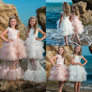 Wholesale Beach Kids Wedding Dresses New Arrival Feather Tiered Flower Girls Dress With Detachable Train Cap Sleeves Lace Princess Gowns