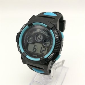 Wholesale M618 LED Cold Light Watch Student Sports Outdoor Running Seconds Alarm Clock Alarm Multi Function Watch Fashion Design Winner Brand Watches