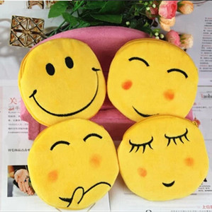 Wholesale 11cm Emoji Plush Coin Purses Types Wallet Girl Lady QQ Emotion Money Key Bag Pendant Zipper Totes Women Christmas Xmas Promotion Gift