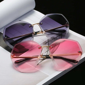 Wholesale Hot style women s square cut edge diamond Angle sunglasses new European and European fashion Marine lens sunglasses sales