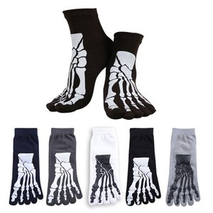 Wholesale New Colors Punk Rock Men s D Print Terror Skeleton Toe Socks Hip Hop Scary Skull Five Finger Odd Sox Bone Male Sport