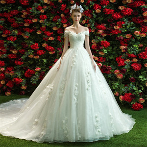 Wholesale V Collar Korean Off the Shoulder Tulle and Lace Inside Ball Gowns Hand Made Flowers Wedding Gowns vestido de noiva de renda