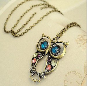 Wholesale Vintage Embedded Drill Hollow Carved Owl Pendant Necklace New Girl Fashion Jewellry Silver Vintage Lovely Big Eyes Owl Charms for Xmas