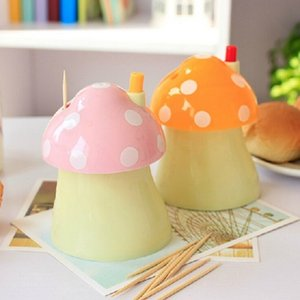 Wholesale New pocket Plastic Mushroom Design Automatic Toothpick Holder dispenser Box Toothpick case Storage