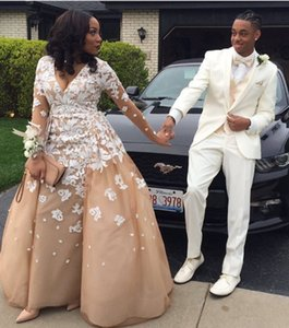 Wholesale Chic Black Girl Prom K16 Champagne Evening Dresses with White Lace Deep V Neck Illusion Long Sleeves Formal Celebrity Gowns Party Dress