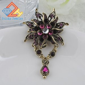 Wholesale New Arrived Fashion Retro Alloy rhinestone brooch Resin Flower Shape Female Brooches for women jewelry