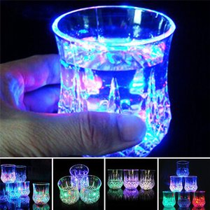 Wholesale Pineapple Shaped Water Sensing LED Luminous cup Colorful flash Wine Drink Glass Cup Bar Party Supply Home Party Decor led lights