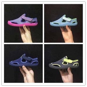 4 colors 2018 new hot sale sandals girls boys fashionable high quality flip flop sandals size eur22-35 free shipping on Sale