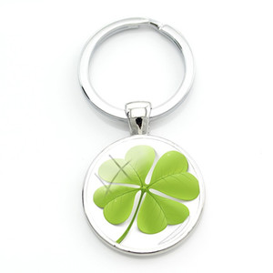 Wholesale Lucky Clover Hot Selling Round Keychain Beautiful Design Four leaf Clover Key Ring Glass Elegant Jewelry For Gift