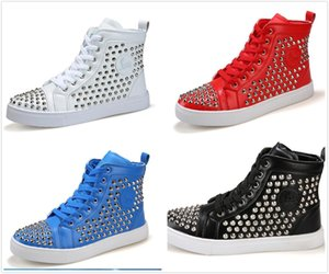 2017 Fashion Designer Brand Studded Spikes Flats shoes Bottom Studded shoes Men and Women Party Lovers Sneakers