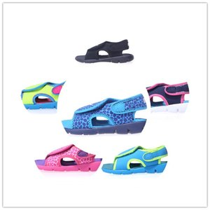 Wholesale 6 colors 2018 new hot sell sandals with rubber sole rubber strap girls boys fashion indoor flip flop sandals size eur22-35